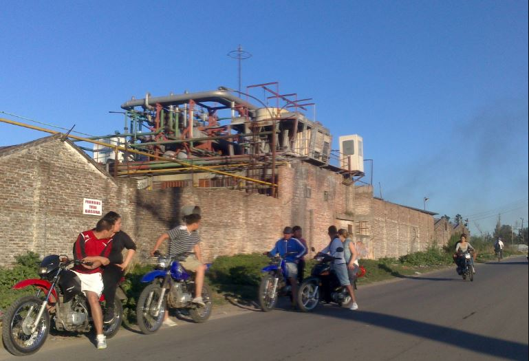 Frigorífico Minguillon, lugar donde les dispararon a Carlos y Emanuel. Foto: Flickr